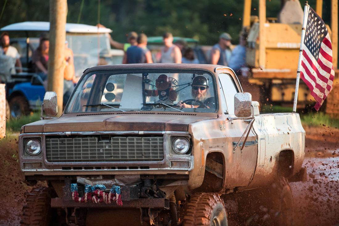 state line mud bog 08399