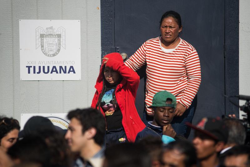 tijuana caravan 08325