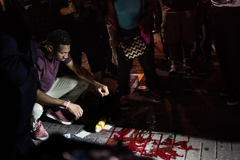 Protests break out in charlotte  by Columbia Sc photographer Sean Rayford