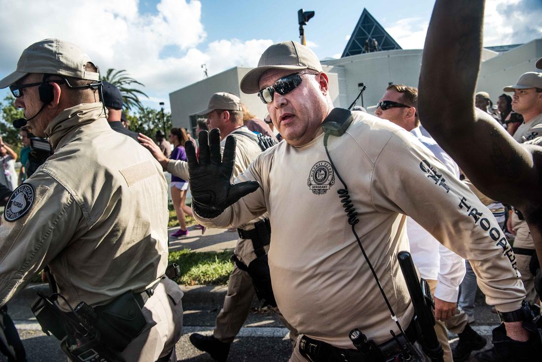 Richard Spencer visits UF Gainesville Photos 170262